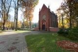 Gotycki kościół św. Stanisława Kostki (XV w.) - Karnice