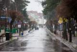 Deszczowa jesień w Pobierowie - ul. Grunwaldzka