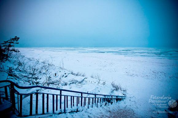Zima na plaży w Pobierowie